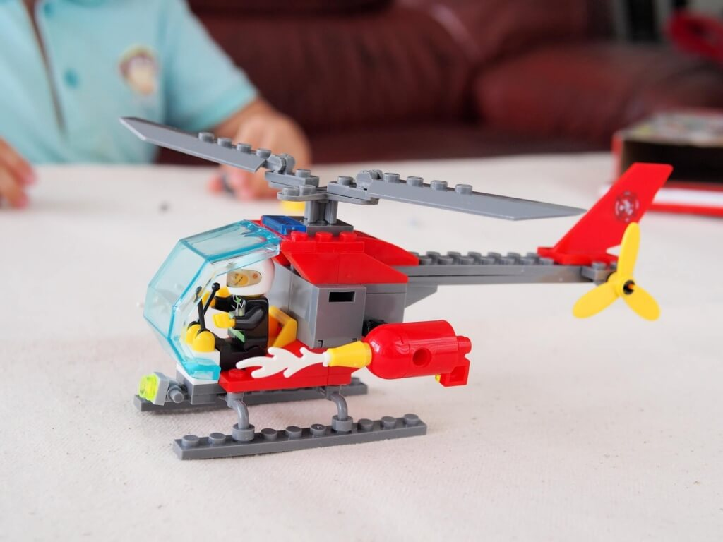 kazi-building-block-fire-helicopter-unboxing-6